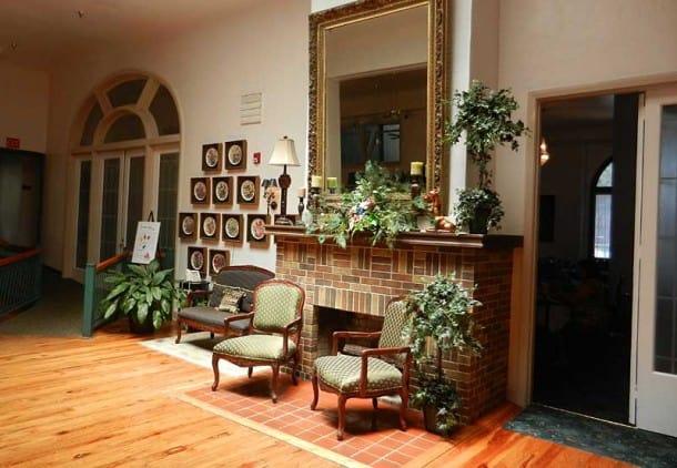 Lobby, historic Hotel Jacaranda in Avon Park